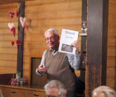 Rolf Müri freut sich über die Ehrenmitgliedschaft